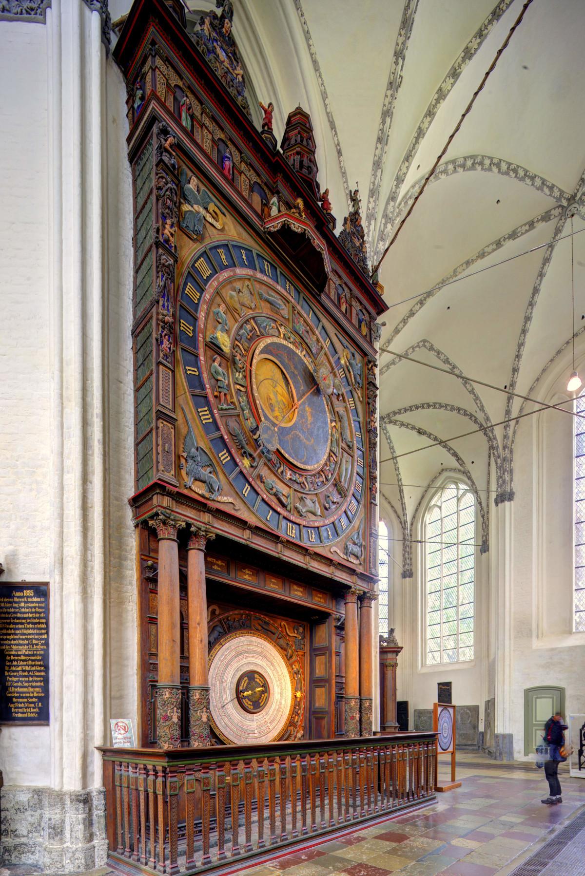 St.-Marien-Kirche, Astronomische Uhr