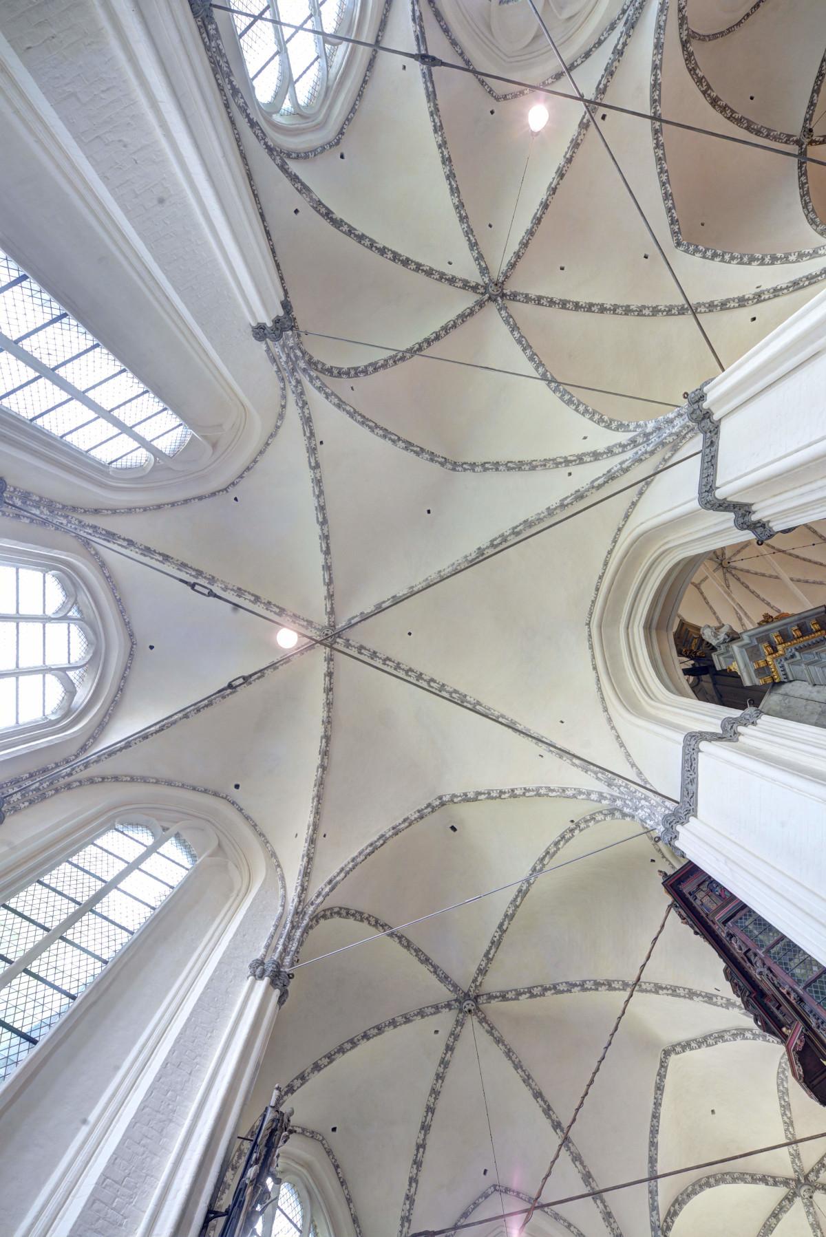 St.-Marien-Kirche, Blick in das Gewölbe des Chorumgangs