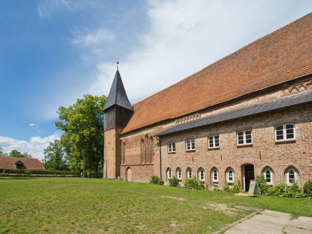 Kościół w Rühn, Ziemia Bützower Land