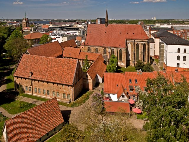Kloster zum Heiligen Kreuz, Rostock