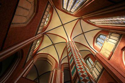 Münster innen, Blick ins Gewölbe, Bad Doberan