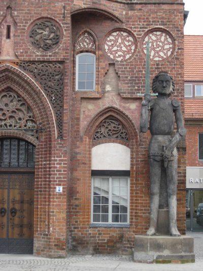 Roland vor dem Altstädtischen Rathaus, Brandenburg/Havel