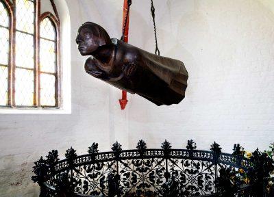 Der Schwebende von Ernst Barlach im Dom zu Güstrow