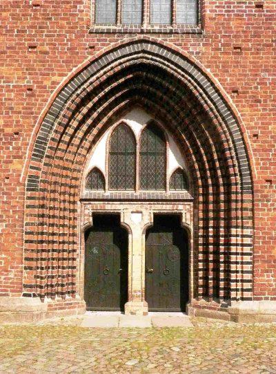 Dom zu Güstrow, Portal
