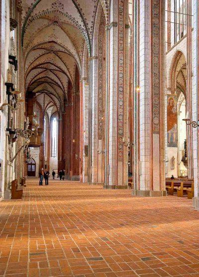 Marienkirche, Blick ins Seitenschiff, Lübeck