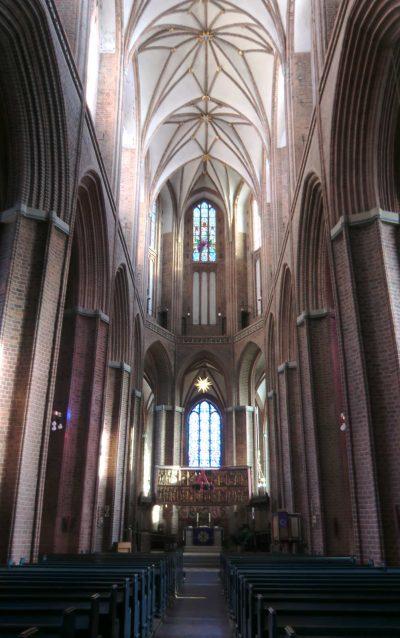 St.-Nicolai-Kirche, Blick auf den Altar, Lüneburg
