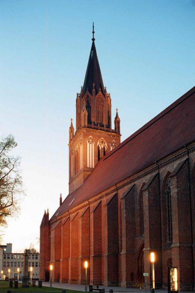 St.-Marien-Kirche, bei Nacht, Neubrandenburg