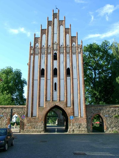 Stargarder Tor, Haupttor, Stadtseite, Neubrandenburg