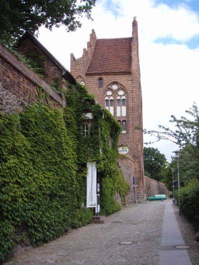Treptower Tor, Haupttor, Stadtseite, Neubrandenburg