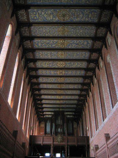Klosterkirche St. Maria Sonnenkamp, Blick auf die Orgel, Neukloster