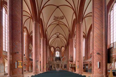 Marienkirche, Blick auf den Altar, Stendal