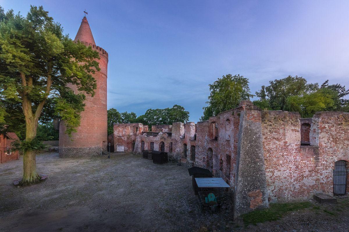 Höhenburg, Krummes Haus, Burg Stargard