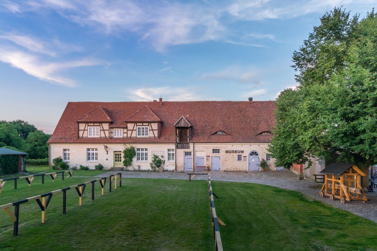 Höhenburg, Marstall, Burg Stargard