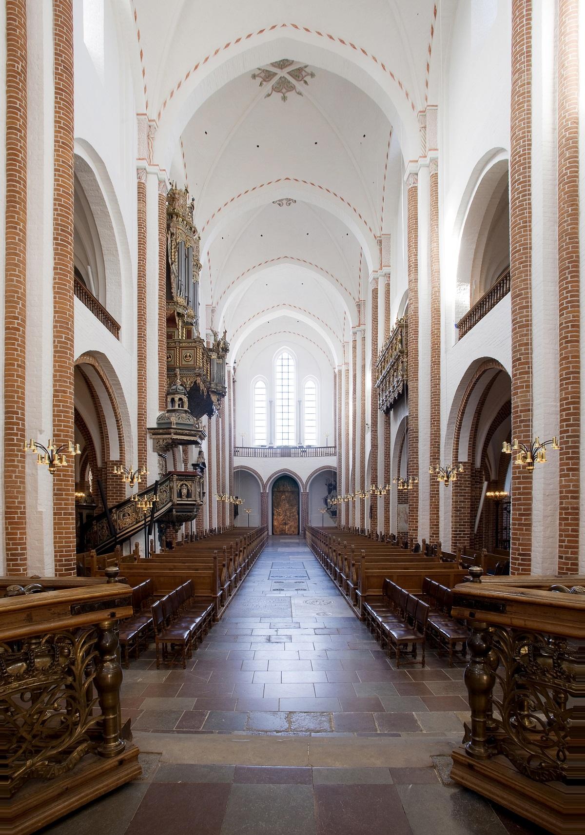 Dom zu Roskilde, Innenraum